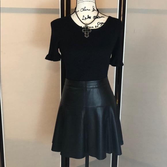 509c9e193818e9 Banana Republic Dresses & Skirts - Banana Republic black leather flared  skirt Sz 12
